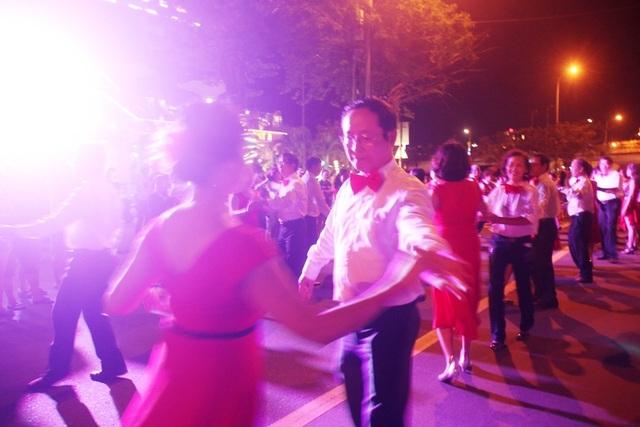 Đà Nẵng sôi động kỳ nghỉ lễ 30/4 - 1/5 và mùa du lịch biển 2017 - 3