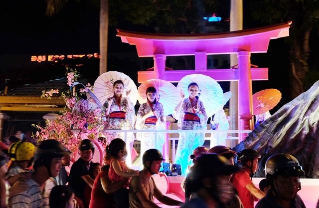 Tưng bừng lễ hội đường phố ở Đà Nẵng - 5