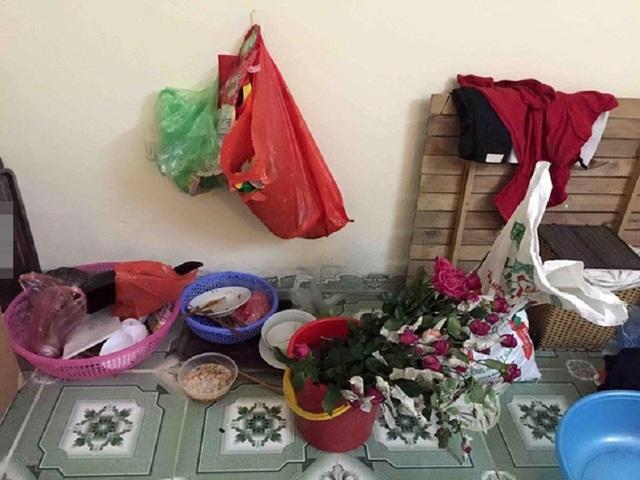 Choáng những căn phòng trọ bẩn như bãi rác của nữ sinh - 10