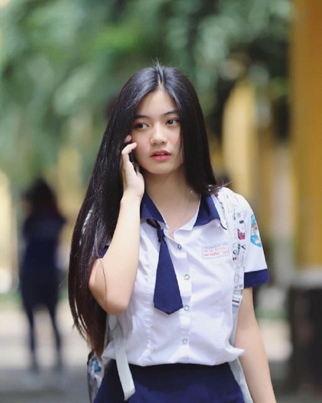 """Khoảnh khắc nữ sinh Sài Gòn trong tà áo dài """"đốn tim"""" dân mạng - 10"""