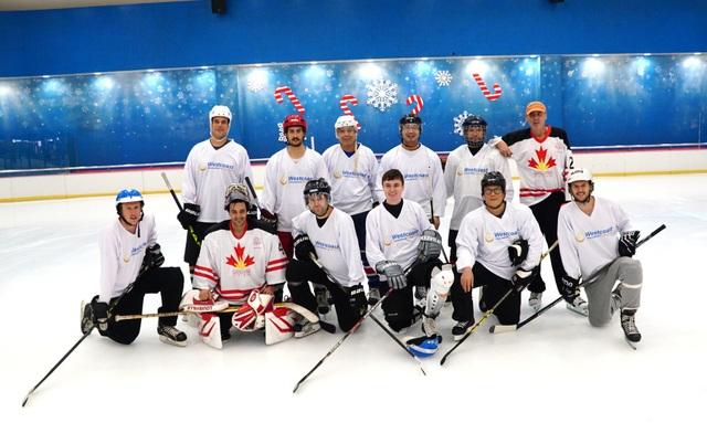 Sự kiện khúc côn cầu và các môn thể thao trên băng lần đầu tiên tại Việt Nam được Lãnh sự quán Canada tổ chức ngay vào dịp kỷ niệm 150 năm thành lập Canada