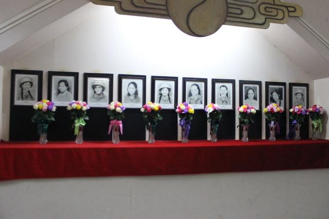 10 cô gái Ngã ba Đồng Lộc. Ảnh: dantri.com.vn