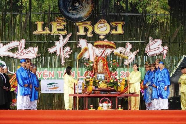 Lễ khai hạ Mường Bi diễn ra vào các ngày 6,7,8 tháng Giêng âm lịch, là lễ hội truyền thống mang đậm nét văn hóa của người Mường.