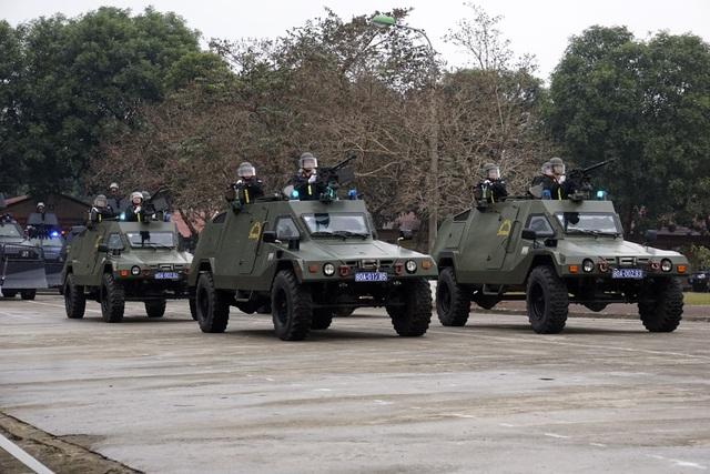 Xe bọc thép chống đạn dùng cho các nhiệm vụ như: chống bạo động, chống khủng bố...