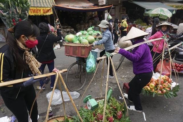Chợ cóc Hà Nội trong chiến dịch dọn dẹp vỉa hè - 12
