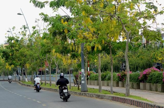 Nếu có dịp đến với TPHCM và đạp xe hay đi thuyền dọc kênh Nhiêu Lộc, du khách chắc chắn sẽ có những kỉ niệm không thể nào quên khi lưu lại bằng những bức ảnh.