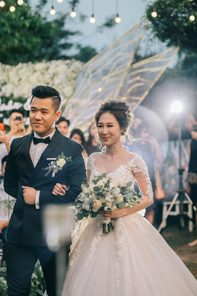"""Đám cưới """"trong mơ"""" với 300 khách cùng """"xăm"""" biểu tượng hạnh phúc - 12"""