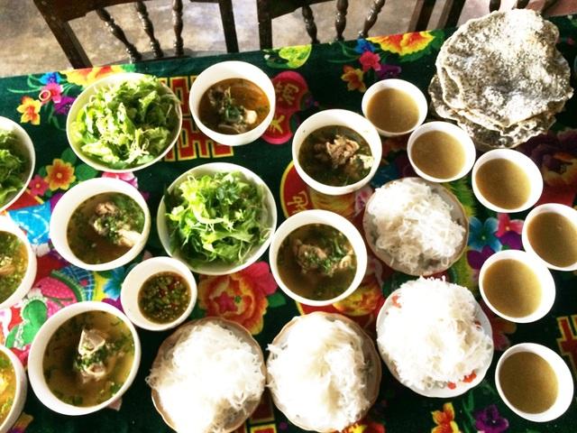 Các món ăn được bày cúng ông bà ngày Tết Đoan Ngọ