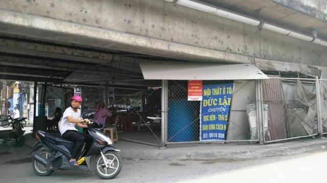 """Ninh Bình: Gầm cầu vượt bị """"xẻ thịt"""" biến thành bãi đỗ xe ô tô - 11"""