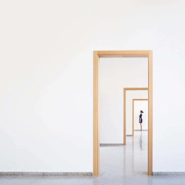 Góc chụp độc đáo theo kiểu cửa bên trong cửa Chiêm ngưỡng những tác phẩm chụp chân dung phối cảnh với họa tiết sẵn có