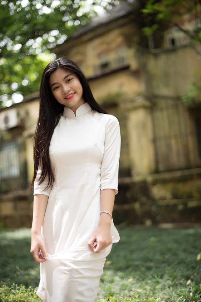 """Khoảnh khắc nữ sinh Sài Gòn trong tà áo dài """"đốn tim"""" dân mạng - 7"""