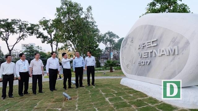 Phó Thủ tướng Phạm Bình Minh cùng đoàn công tác và lãnh đạo Đà Nẵng thăm, kiểm tra thực tế Công viên APEC đang hoàn thiện