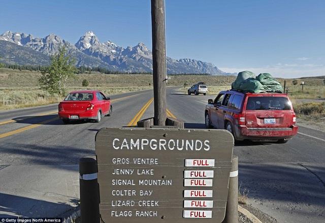 Đến ngày 19/8, các khu cắm trại quan sát nhật thực đã khá đông người. (Ảnh: Getty)