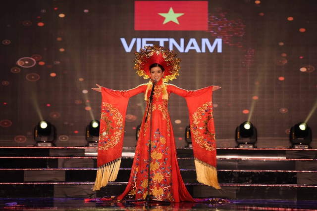 Nhiều khán giả dự đoán, với phần thể hiện xuất sắc của Huyền My, Việt Nam có hy vọng sẽ nằm trong top 10 bộ trang phục ấn tượng của cuộc thi năm nay.