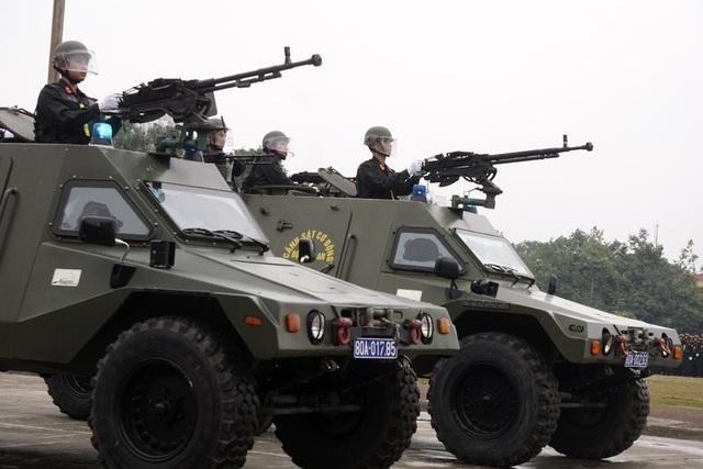 Loại xe này đều được trang bị súng máy trên nóc.