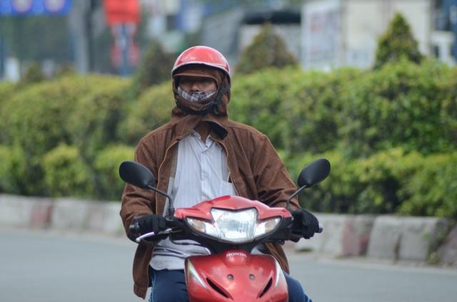 Sài Gòn nắng nóng đến nỗi… không nhận ra nhau - 8