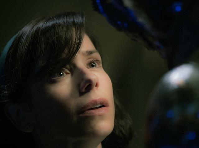Phim 18+ hay nhất năm về tình yêu giữa cô gái câm và thủy quái - 5