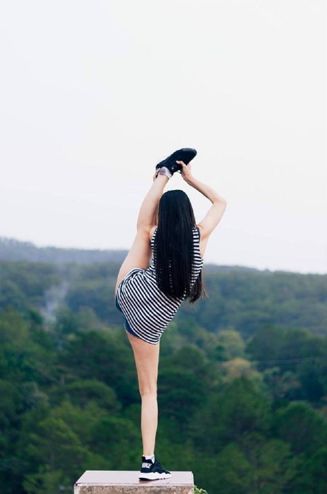 """Phong cách check-in có """"một không hai"""" của nữ sinh Nha Trang - 13"""