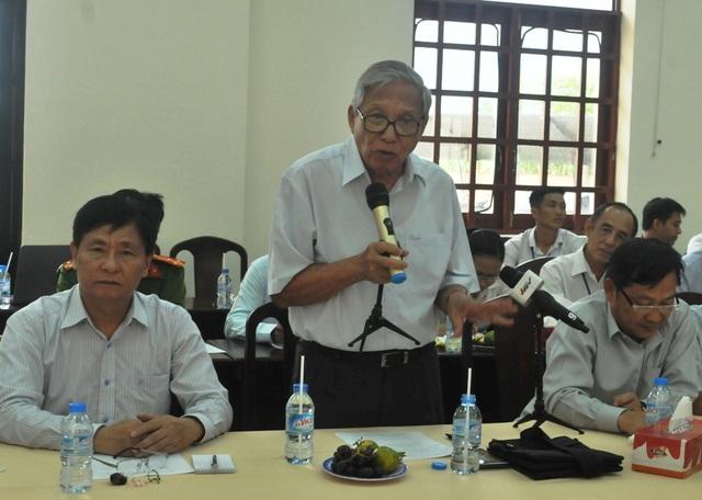 GS.TSKH Nguyễn Ngọc Trân phát biểu tại buổi họp vào chiều 19/10.