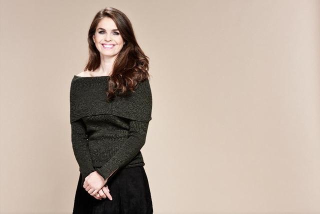 Vào tháng 1/2017, tạp chí Forbes đã liệt kê Hope Hicks vào danh sách 30 gương mặt tiêu biểu dưới 30 tuổi - danh sách những người trẻ quyền lực nhất thế giới. (Ảnh: Forbes)