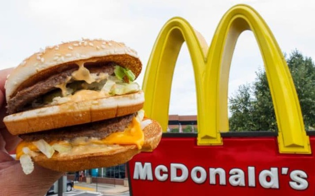 Cậu bé 8 tuổi lái ô tô tới quán McDonald nhờ xem hướng dẫn trên YouTube - 1