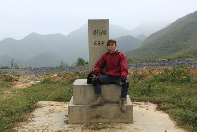 Chặng thứ nhất Lâm xuất phát từ cột cờ Lũng Cú đến Hà Nội dài khoảng 500km
