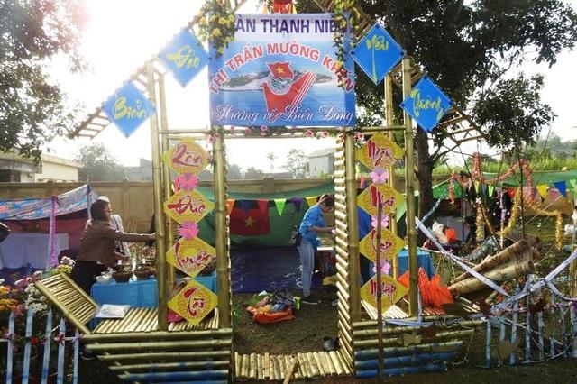 Để tạo thêm tình đoàn kết, những năm gần đây hoạt động tổ chức trại hè trong những ngày diễn ra lễ hội cũng được tổ chức và thu hút đông đảo các bạn trẻ tham gia.