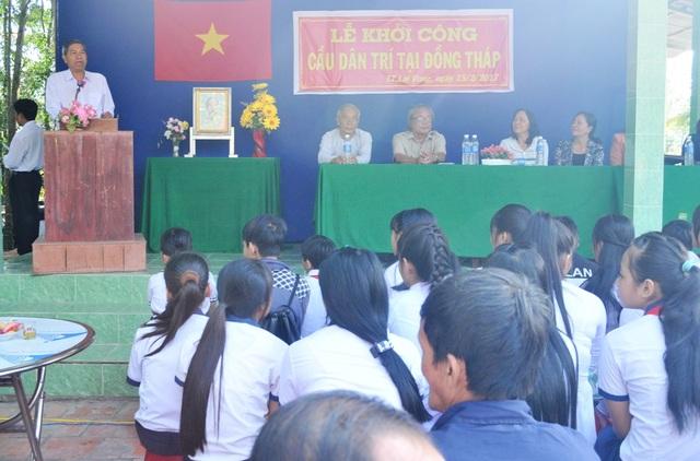 Quang cảnh lễ khởi công cầu Dân trí tại thị trấn Lai Vung, huyện Lai Vung, tỉnh Đồng Tháp vào sáng 15/2