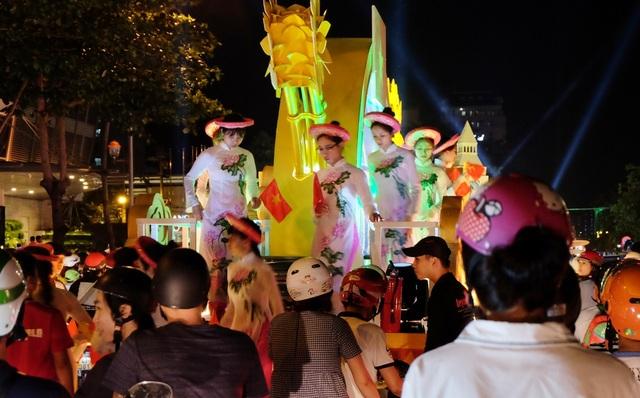 Tưng bừng lễ hội đường phố ở Đà Nẵng - 8