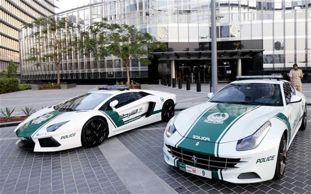 Chán siêu xe, cảnh sát Dubai chuyển sang môtô bay - 6