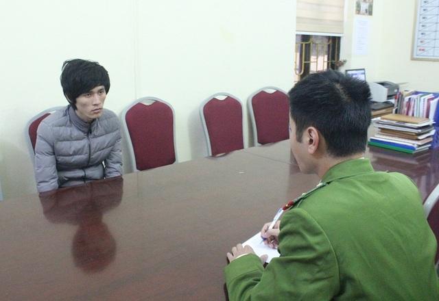 Tú ông mang 2 lệnh truy nã Nguyễn Văn Thọ tại cơ quan công an (Ảnh: Cổng thông tin Điện tử Móng Cái)