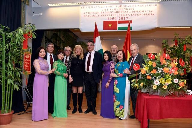 Những người bạn Hungary đến chung vui tại Tết cộng đồng Đinh Dậu 2017 của cộng đồng người Việt Nam tại Hungary (Ảnh: Tuấn Anh)