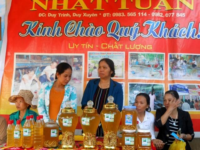 Rượu tằm đặc sản của làng Chiêm Sơn