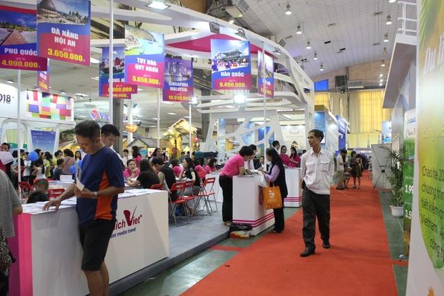 Về thị trường Quốc tế, VITM Hà Nội 2017 đã chọn Hoa Kỳ là khách của Hội chợ. Một đoàn lữ hành do ông Robert Duglin - Phó Chủ tịch Hiệp hội Lữ hành Hoa Kỳ dẫn đầu và 12 doanh nghiệp du lịch đã đến dự hội chợ và tham gia 2 hoạt động là: Gặp gỡ các doanh nghiệp lữ hành Việt Nam và ký thỏa thuận Hợp tác với Hiệp hội Lữ hành Việt Nam. Đây là hoạt động nổi bật của VITM Hà Nội 2017, được dư luận rất quan tâm. Sau hội chợ đoàn đã đi khảo sát ở Hà Nội, Ninh Bình, Quảng Ninh, Huế, Hội An và Tp.HCM.