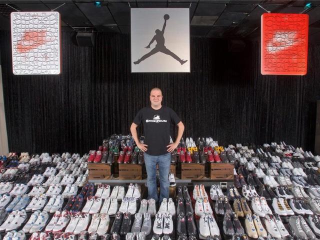 Anh Jordan Michael Geller sống ở Las Vegas, Mỹ và bộ sưu tập giày thể thao khổng lồ.