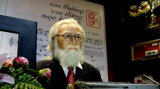 Thần thái mạnh mẽ của cố nhạc sỹ Bắc Sơn thể hiện qua tượng sáp.