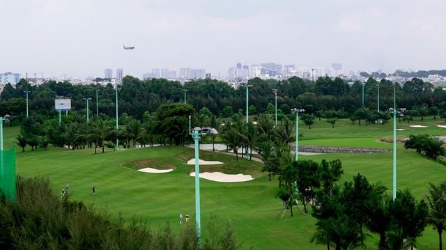Cận cảnh sân golf VIP nằm trong… sân bay Tân Sơn Nhất - 12