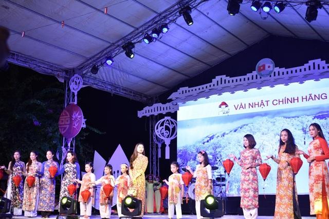 Biểu diễn thời trang áo dài vải Nhật Bản-Nhóm May TPHCM