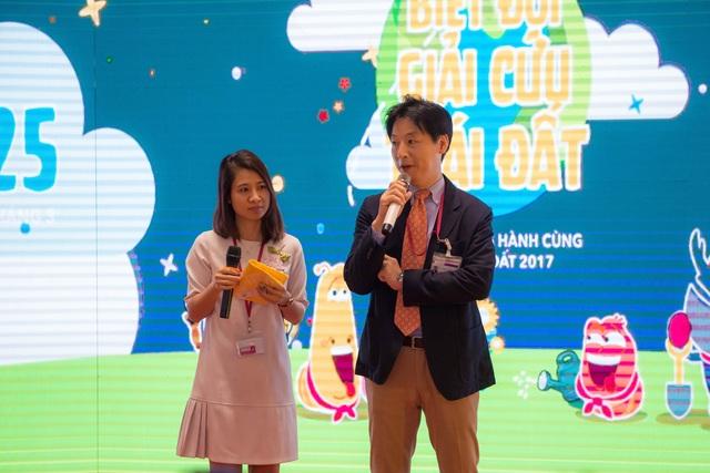 Đại diện Ban Tổ chức, Tổng giám đốc Aeon Mall Long Biên, Hà Nội - ông Iwamura Yasutsugu.