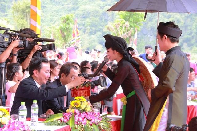 Tiết mục Mời trầu quan họ Bắc Ninh.