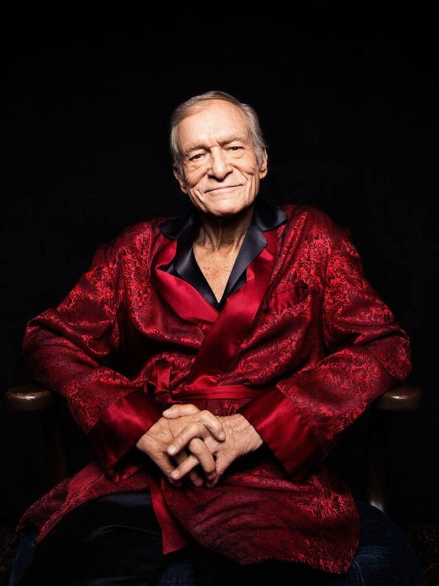 """""""Ông trùm Playboy"""": Người đàn ông trong bộ pyjama định hình đàn ông hiện đại - 1"""