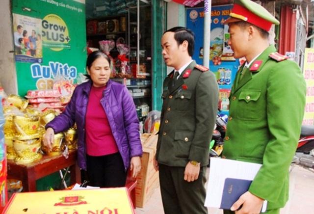 Công an huyện Nga Sơn tuyên truyền, vận động người dân không xuất cảnh đi lao động trái phép sau Tết