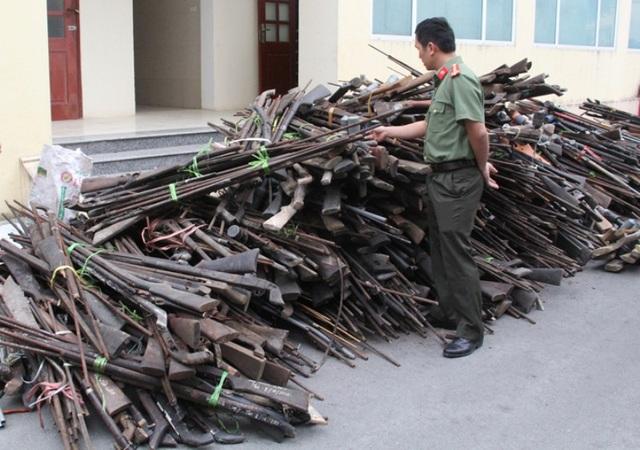 Gần 3.000 khẩu súng săn tự chế, súng săm lếch, súng hơi nén cồn đã được thu giữ trong thời gian qua