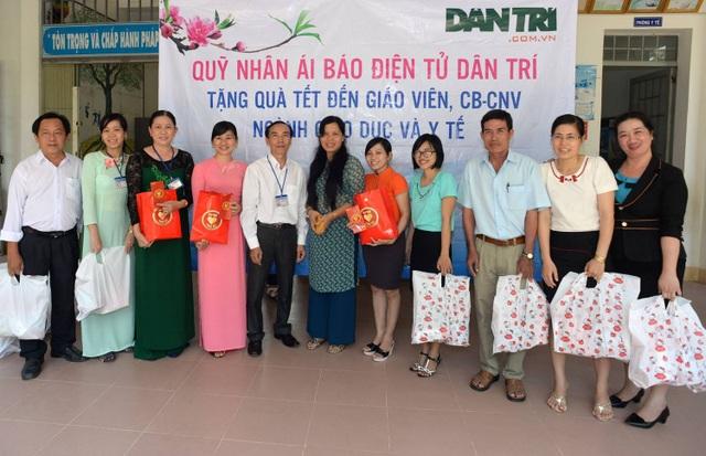 """Quỹ Nhân Ái lan toả """"Xuân Yêu thương"""" đến ngành giáo dục và y tế - 3"""