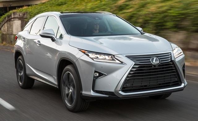 Dự kiến sẽ là dòng crossover cỡ trung bán chạy nhất trong năm 2017 của Lexus. RX 350 sử dụng động cơ 3.5L V6, cho công suất 295 mã lực, kết hợp với hộp số tự động 8 cấp. Xe có khả năng tăng tốc 0-100km/h trong 7,9 giây. Mức tiêu thụ nhiên liệu cũng khá lý tưởng - chỉ 10,6 lít/100 km đường hỗn hợp.