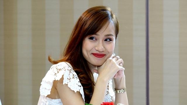 Bà Trần Phương Trang, Phó trưởng BTC cuộc thi luôn dành tặng các thí một nụ cười trước khi bước vào phần trình diễn tài năng, điều đó cho thấy phần nào chất lượng thí sinh năm nay làm cho những người tổ chức khá hài lòng với những tiết mục đầu tư công phu và tỉ mỉ.