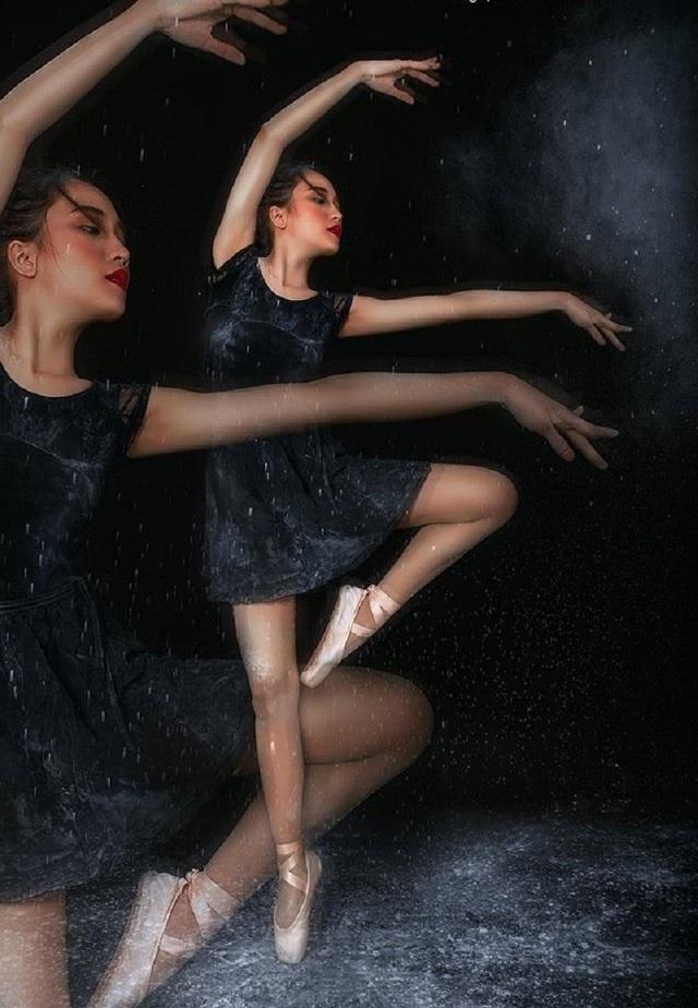 Bén duyên với múa, đam mê rồi được gia đình ủng hộ, Ý Như chính thức theo đuổi bộ môn múa. Ngoài học múa tại trường Đại học Khánh Hòa từ trước, 9x hiện tại đang là sinh viên năm 3 của trường Thái Bình Dương, chuyên ngành Ngôn ngữ Anh.