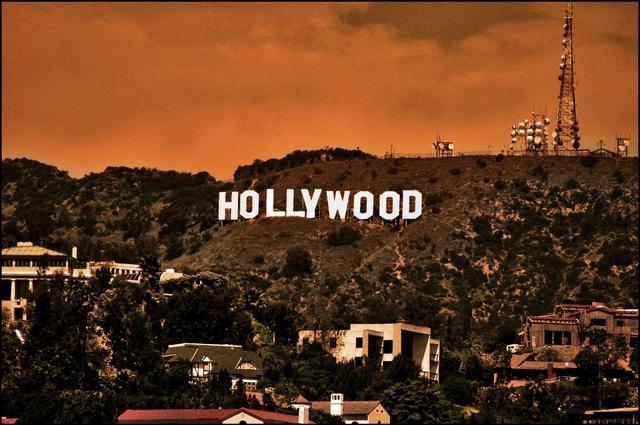 Nhiều sao Hollywood bị trộm ghé thăm
