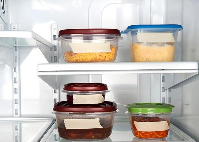 Thức ăn thừa khác nhau cần phải bỏ riêng để tránh lây nhiễm chéo vi khuẩn.