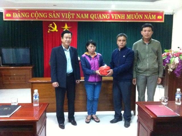 Đại diện Trung tâm Viễn thông huyện Lộc Hà đã công khai xin lỗi và hỗ trợ 450 triệu đồng cho cháu Sang.
